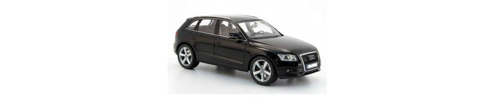 Audi Q5 - Lampade LED, Sensori parcheggio, interni LED